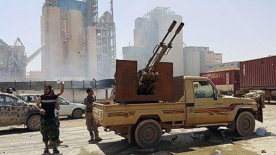 Libye : le contrôle de Syrte, enjeu de batailles entre l'EI et l'armée