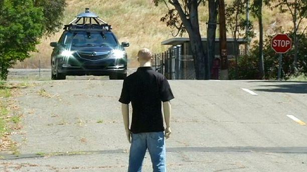 No need to hit the brake: Honda demos self-driving cars