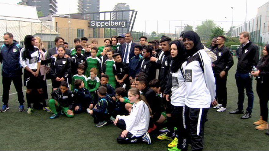 """Futebol """"anti-radicalização"""" juntou jovens britânicos e belgas"""