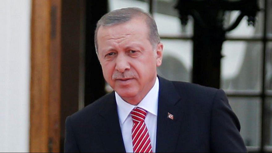 Turquía llama a consultas a su embajador en Alemania