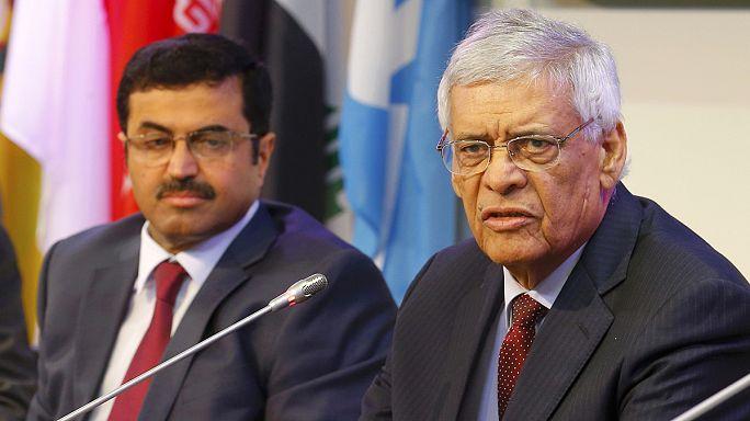 Belső vita az OPEC-ben, továbbra sincs döntés az olajkitermelésről