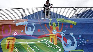 كأس أوروبا على الأبواب وإضرابات فرنسا تشتد