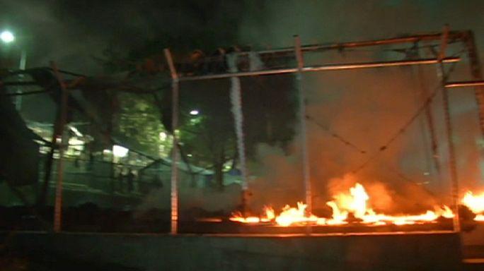 В греческом лагере для беженцев произошли столкновения