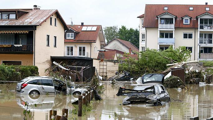 Число жертв наводнений в Европе не перестает расти