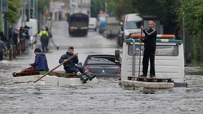 Avrupa kötü hava koşullarına teslim