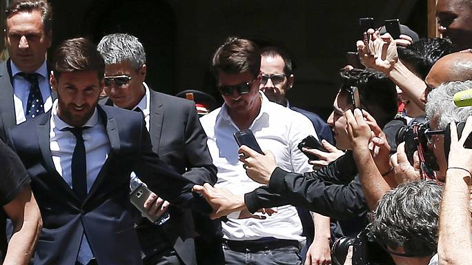 Messi hakimin kararını bekliyor