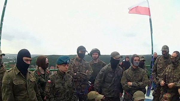35 ezer fős félkatonai sereget toboroz Lengyelország