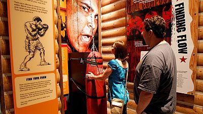 """Hommage à Mohamed Ali au """"Walk of Fame"""""""