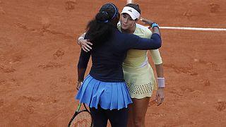 Muguruza upsets Serena Williams to win French Open title