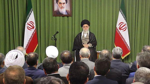 رهبر ایران در نخستین دیدار با مجلس دهم: ترس از متهم شدن، موجب ولنگاری فرهنگی شده است