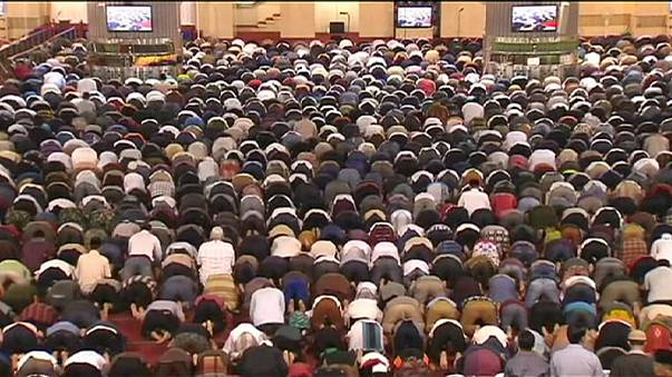 Millions of Muslims mark the beginning of Ramadan