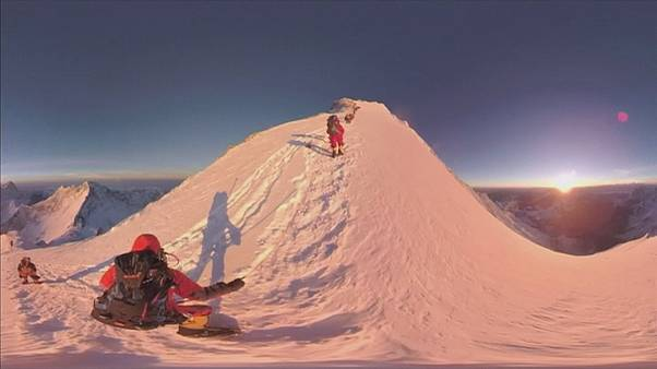 Ανάβαση στο Έβερεστ σε 360°