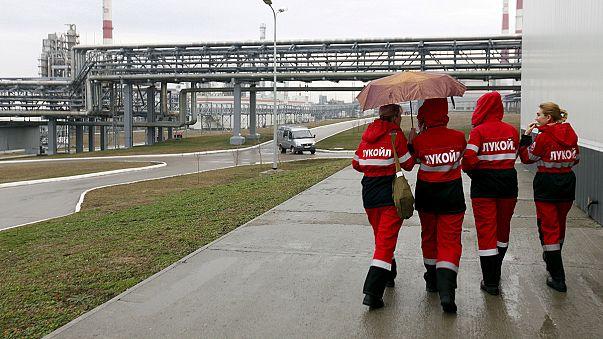 Lukoil profits hit by oil price slump