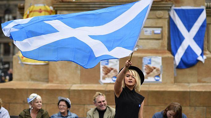 """اسكتلندا: """" البقاء في الاتحاد الأوروبي، والإ الاستقلال"""""""