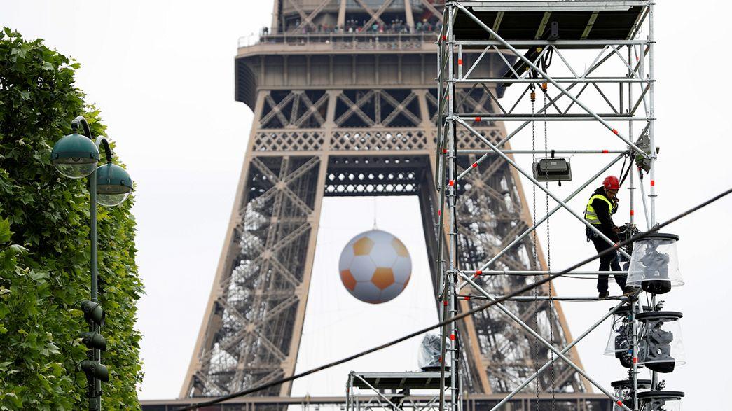 """Франция усиливает меры безопасности перед """"Евро-2016"""""""