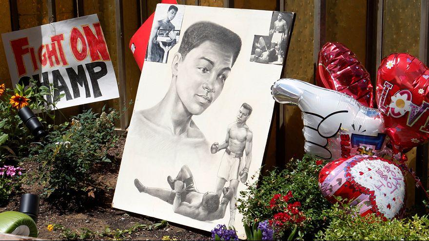 وصول جثمان أسطورة الملاكمة محمد علي كلاي إلى مسقط رأسه لبدء تحضيرات مراسم العزاء
