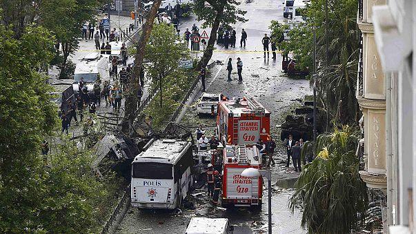 Pelo menos 11 mortos na explosão de um carro armadilhado no centro de Istambul