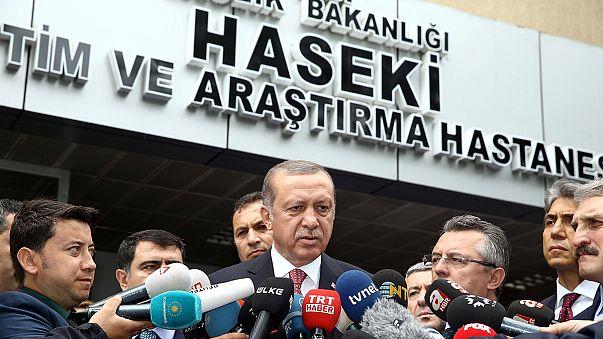 Al menos 11 muertos y 36 heridos en un atentado contra un autobús policial en el centro de Estambul