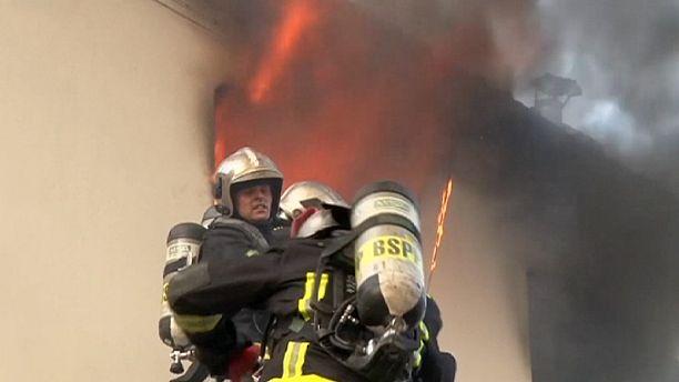 Deadly apartment block fire in Paris