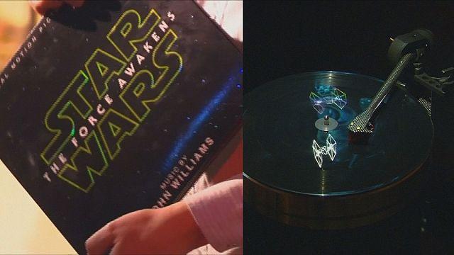 Los vinilos de Star Wars holografiados con naves en 3D