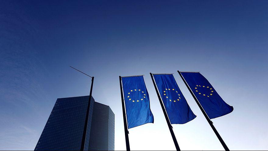 Biztosítók és telekom cégek részvényeit vesz az Európai Központi Bank
