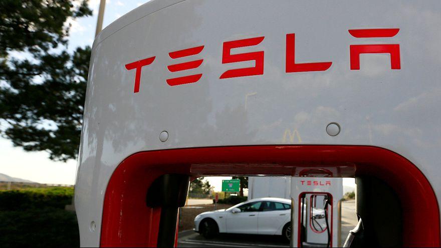 """Батареи для """"тройки"""" Tesla будет делать Panasonic"""