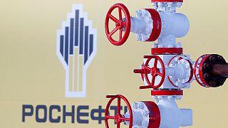 Lucros da Rosneft afundam 75% no primeiro trimestre
