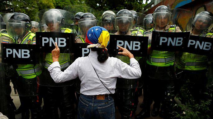Újabb ellenzéki tüntetés Venezuelában