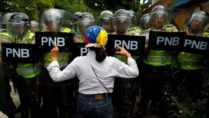 Venezuela: in migliaia in piazza per denunciare la penuria di cibo