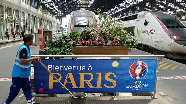 Labour law protests threaten to disrupt Euro 2016