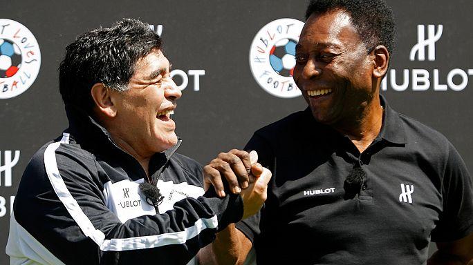 Pelé et Maradona réunis pour un mini-match de foot à Paris