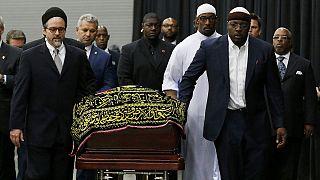 صلاة جنازة إسلامية على محمد علي كلايْ في مسقط رأسه