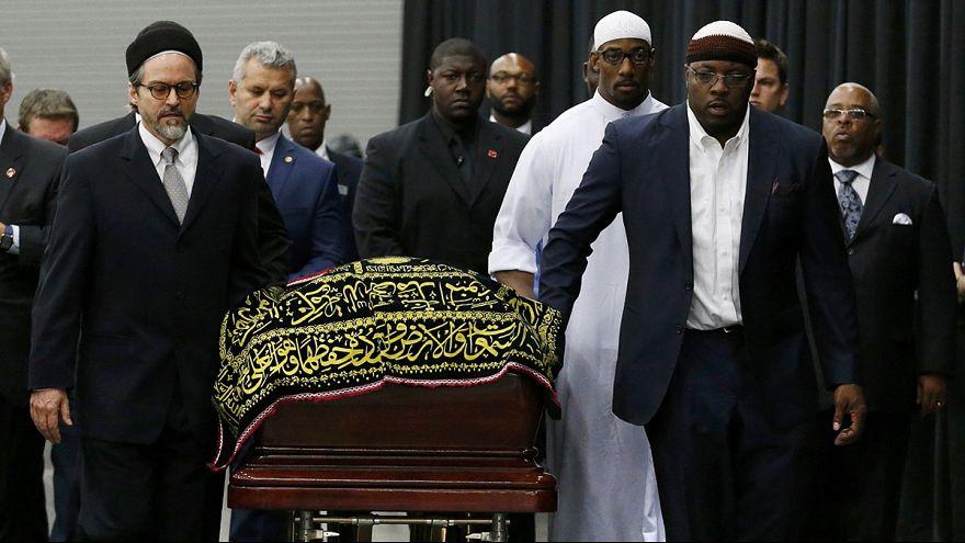 Traditional Muslim funeral service honours Muhammad Ali
