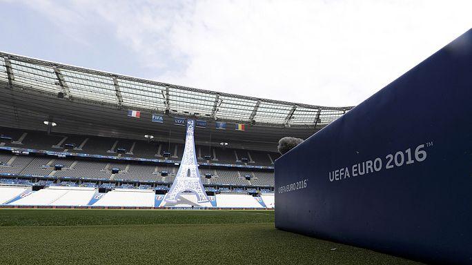 Euro 2016 Paris'te coşku Marsilya'da holigan şiddetiyle başlıyor