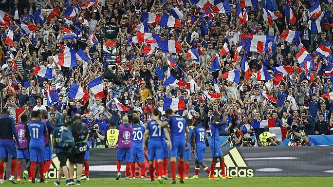 EURO 2016 güvenlik endişesi ve protestoların gölgesinde başlıyor