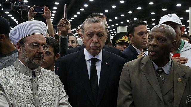 Hirtelen távozott Erdogan Amerikából