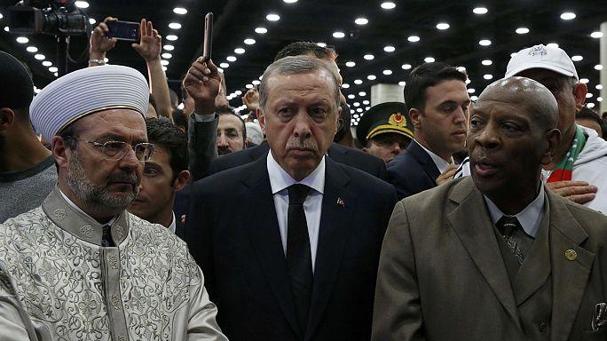 Obsèques de Mohamed Ali : Erdogan, vexé, plie bagage