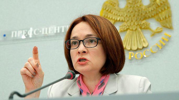 """Russia: Banca Centrale taglia tassi di interesse, ripresa è """"imminente"""""""