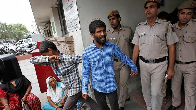 Életfogytiglanra ítéltek öt férfit szexuális erőszak miatt Indiában