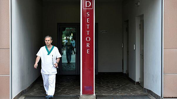 """Berlusconi kalp ameliyatı öncesi """"sakin"""""""