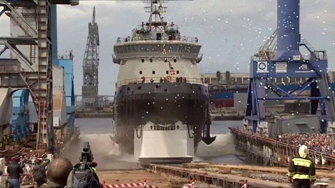 Rússia estreia quebra gelo-militar