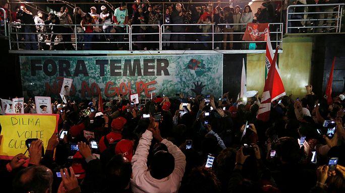 Brazília: tüntetés az átmeneti kormány ellen