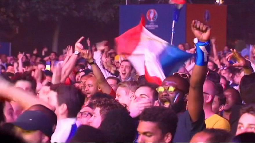 فرنسا تحتفل بالفوز الأول بعدافتتاح فعاليات كأس يورو2016