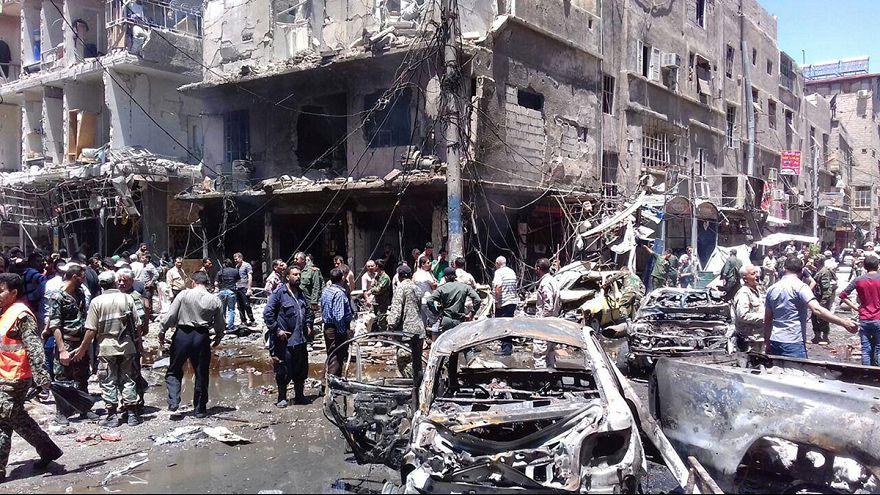 """Боевики """"ИГИЛ"""" взяли ответственность за двойной теракт в пригороде Дамаска"""