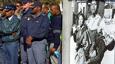 Victimes et anciens soldats de l'apartheid commémorent ensemble le soulèvement sanglant de 1976 à Soweto