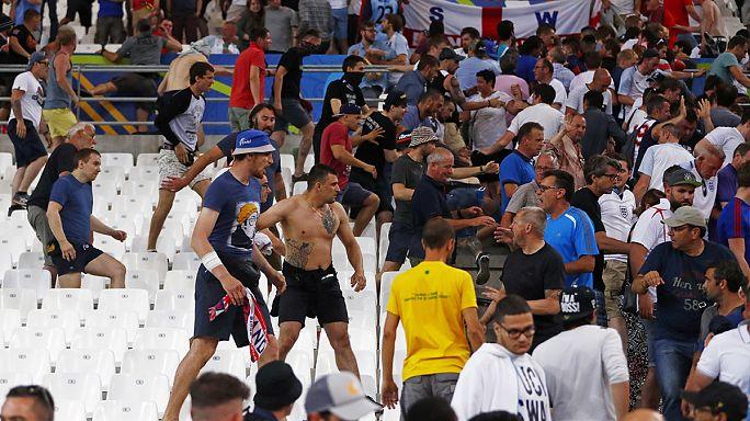 Euro 2016: Marsilya'da holigan şiddeti durmuyor