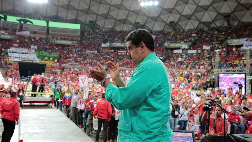 Maduro se opone a un referéndum revocatorio antes de 2017