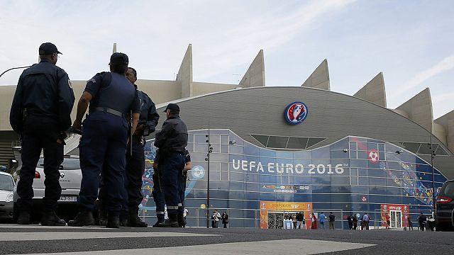 Париж смотрит на Марсель и усиливает меры безопасности перед матчем Турции с Хорватией