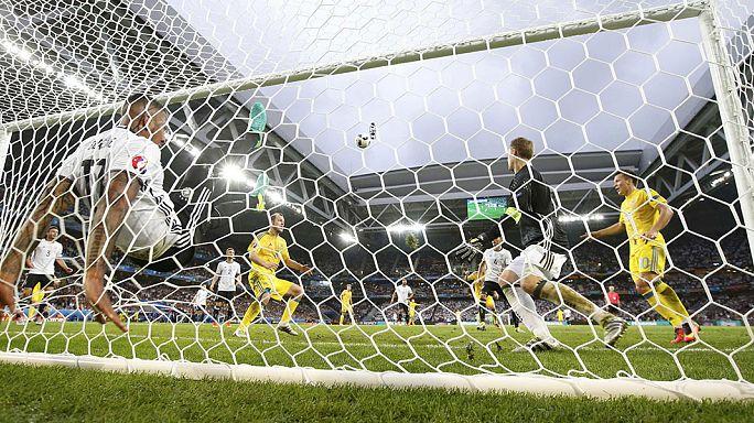 Euro 2016: Almanya, Ukrayna engelini iki golle aştı