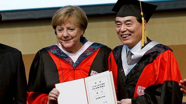 Merkel Pekin'de